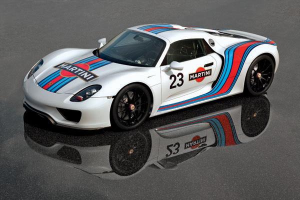 Porsche 918 in Martini livery
