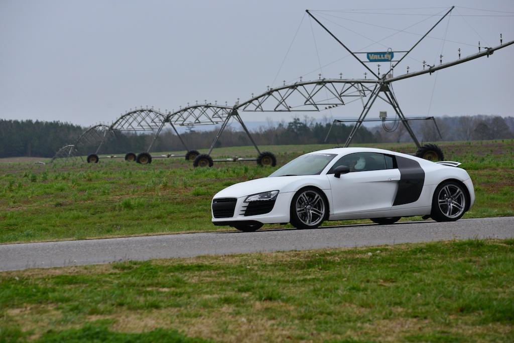 Audi R8 back stretch