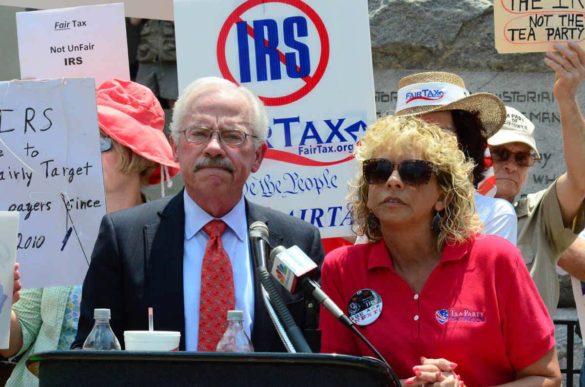 Bob Barr Debbie Dooley Tea Party Rally1