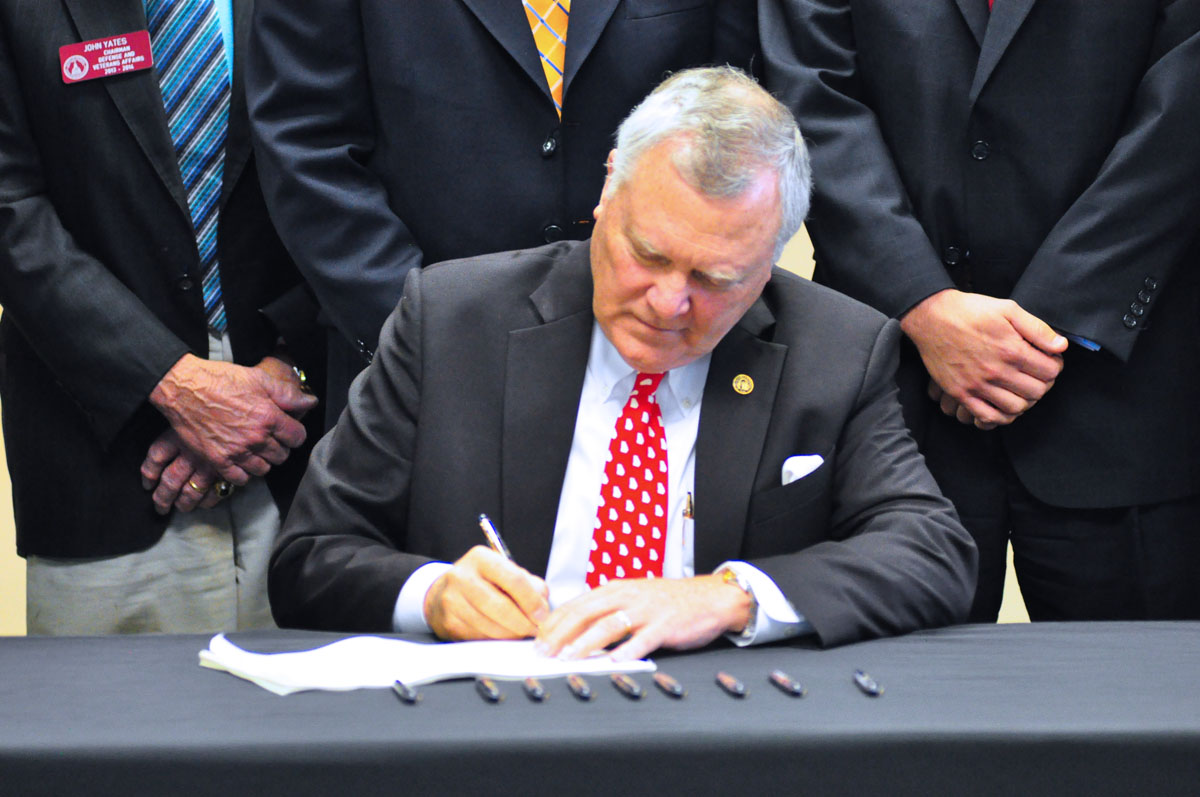 Deal Signs HB 318