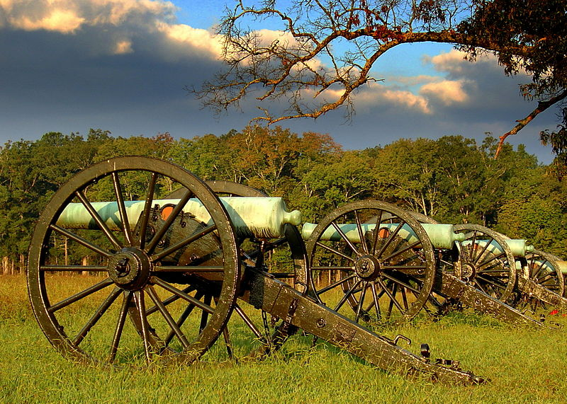 800px-Cannon_Row Chickamauga
