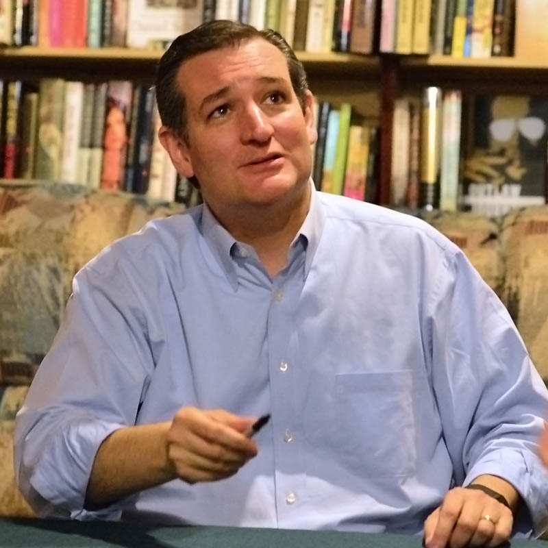 Ted Cruz at Eagle Eye Book Store Square