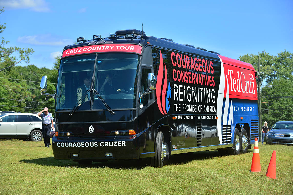 Ted Cruz Bus Arrival