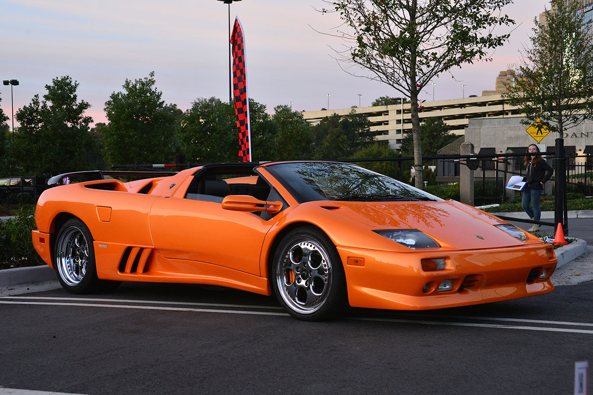Orange Lamborghini Diablo 10192014
