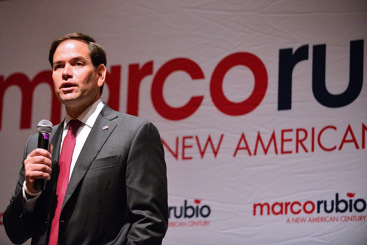 Rubio Medium Shot