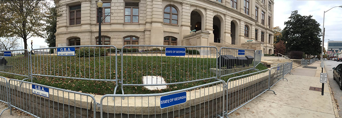 Barricades CapitolSM
